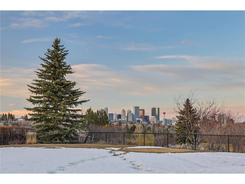 MLS® #C4135495 - 4411 Britannia DR Sw in Britannia Calgary, Detached