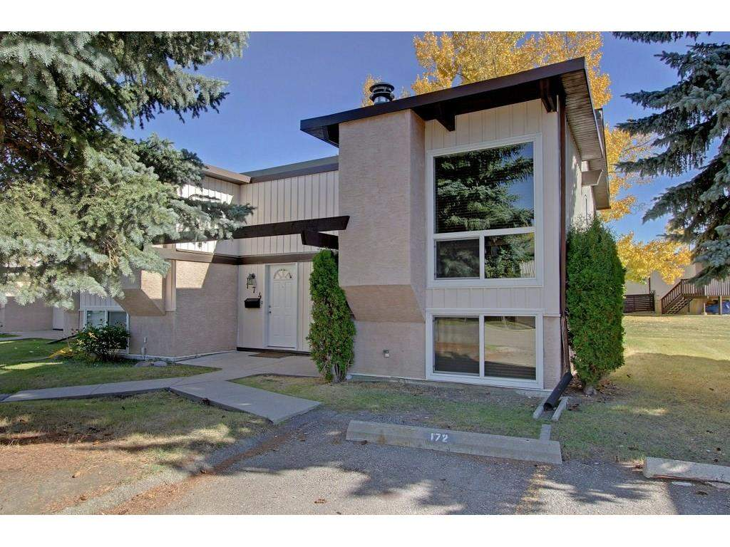 MLS® #C4160793 - 172 Oaktree Ln Sw in Oakridge Calgary, Attached