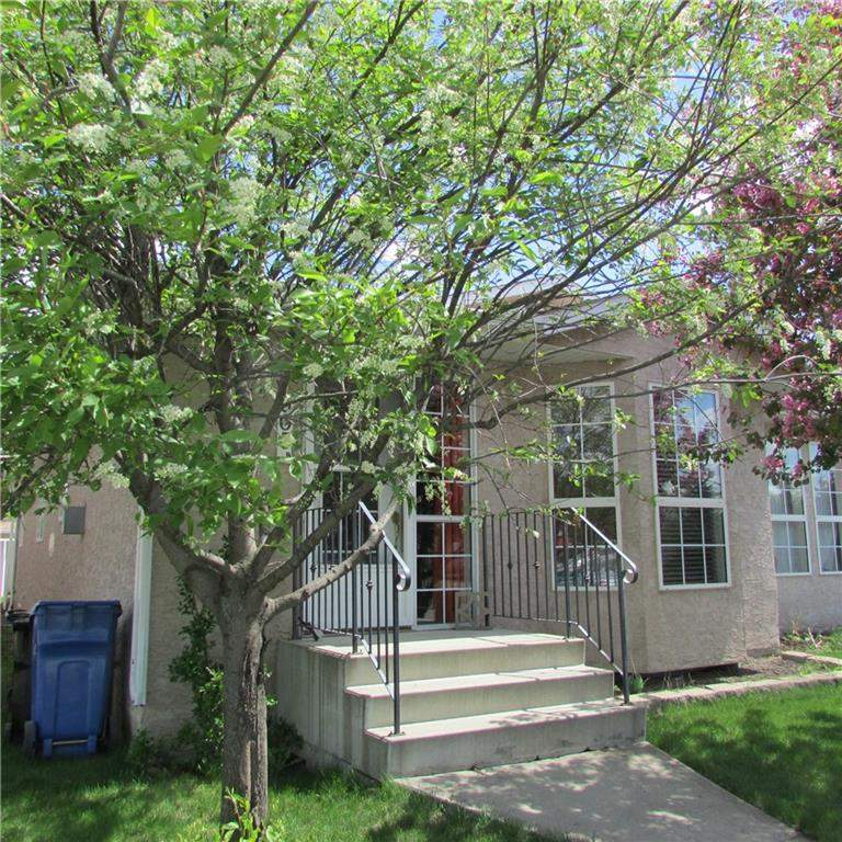 MLS® #C4179237 - #b 303 Centre ST N in None Sundre, Attached Open Houses
