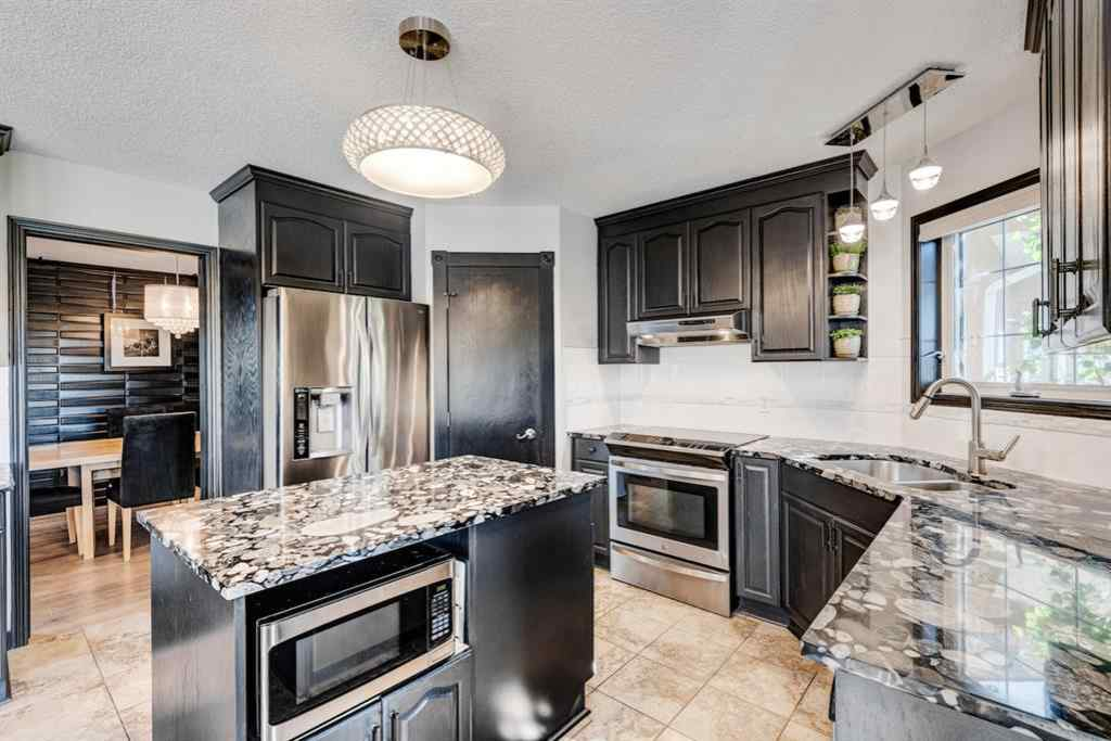 MLS® # A1013082 - 1607 WOODSIDE  Boulevard NW in Woodside Airdrie, Residential Open Houses