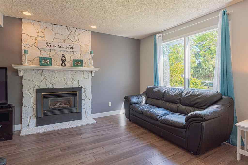 MLS® # A1014599 - 1240 MEADOWBROOK  Drive SE in Meadowbrook Airdrie, Residential Open Houses
