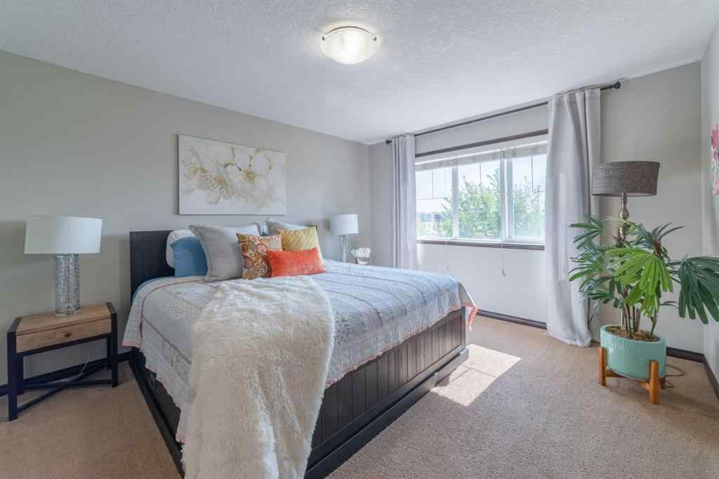 MLS® #A1031520 - 5 KINGS HEIGHTS  Drive SE in Kings Heights Airdrie, Residential Open Houses