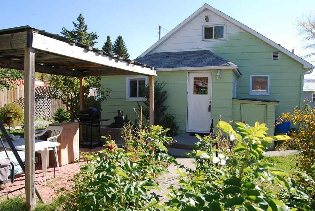 MLS® # A1038394 - 3038 223 Street  in NONE Bellevue, Residential Open Houses