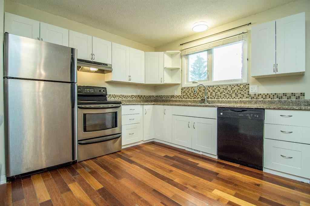 MLS® # A1040445 - 1113 4 Avenue  in NONE Beaverlodge, Residential Open Houses