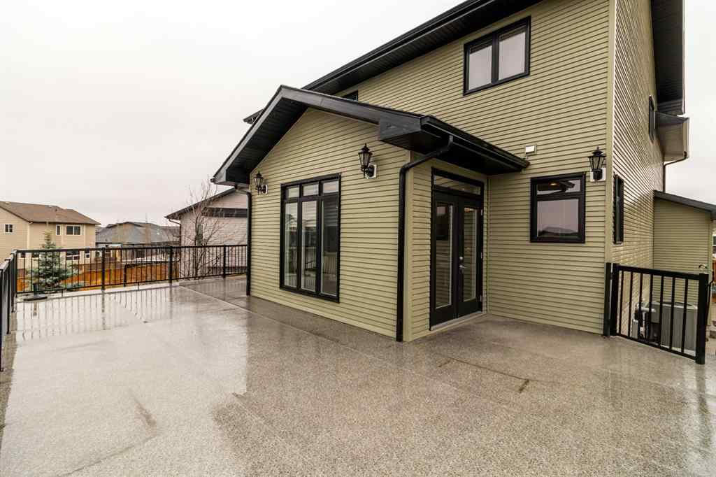 MLS® # A1046382 - 5 Chinook Street  in Cottonwood Estates Blackfalds, Residential Open Houses