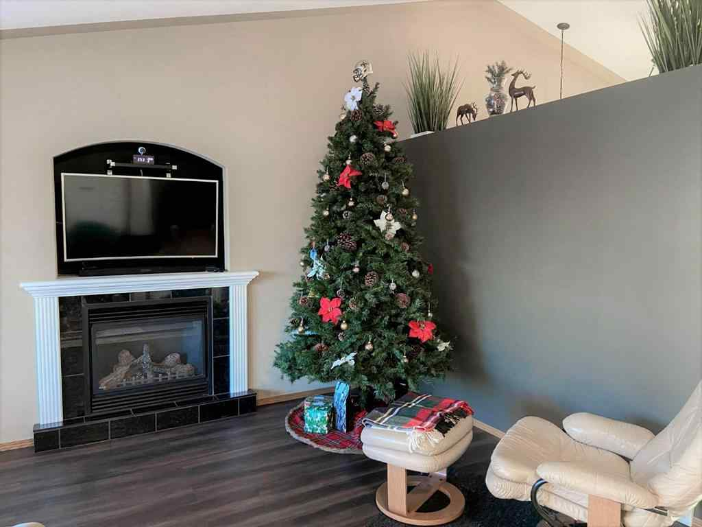 MLS® # A1056733 - 5733 Panorama Drive  in Panorama Estates Blackfalds, Residential Open Houses