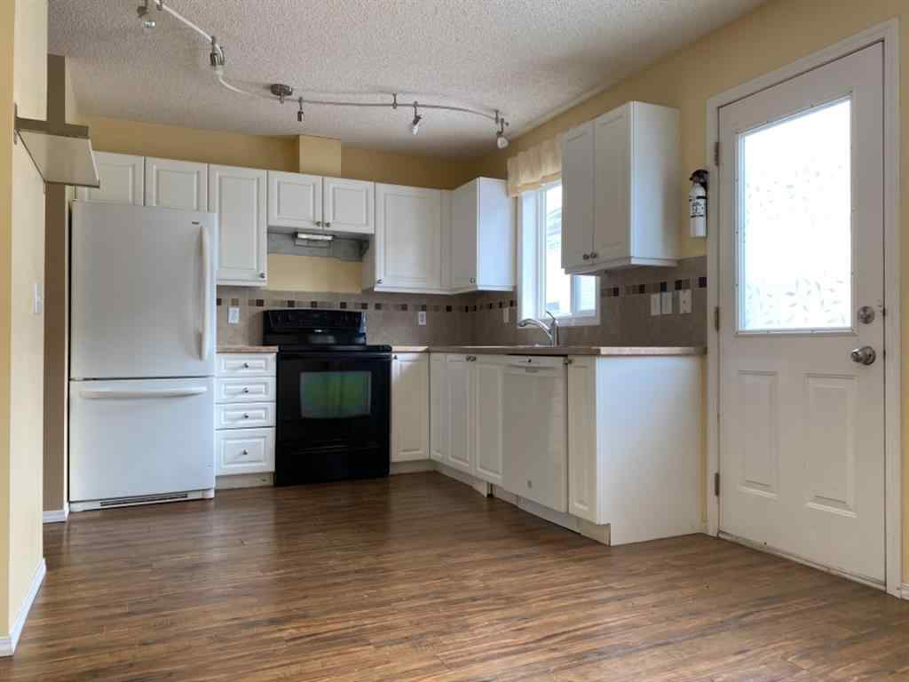 MLS® #A1057846 - Unit #19 4 Stonegate Drive NW in Stonegate Airdrie, Residential Open Houses