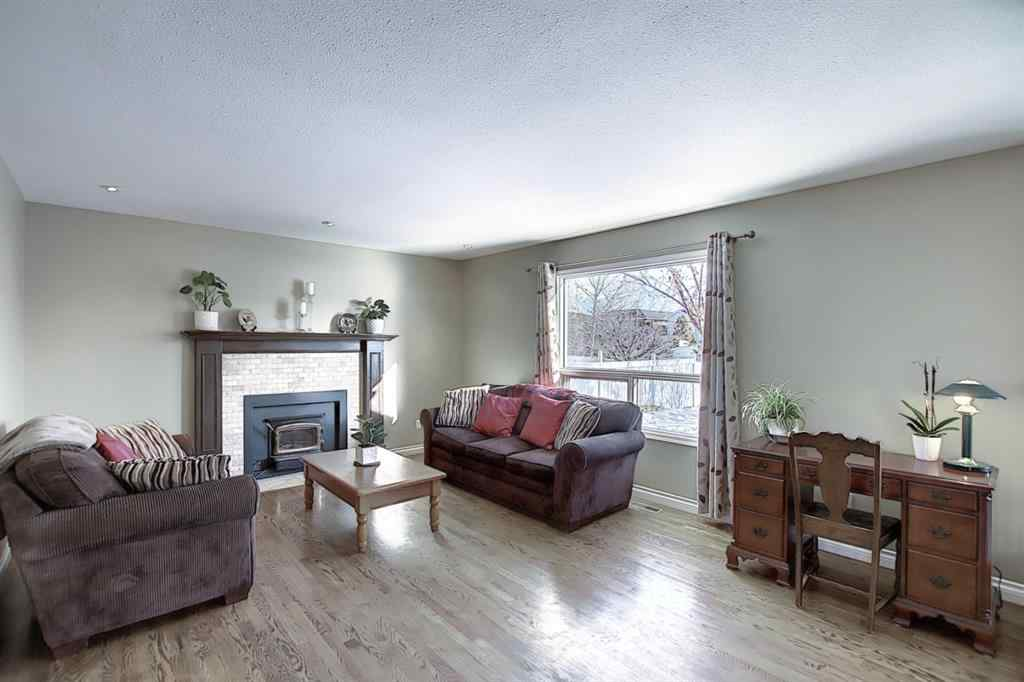 MLS® # A1067165 - 18 Tiller Place SE in Thorburn Airdrie, Residential Open Houses