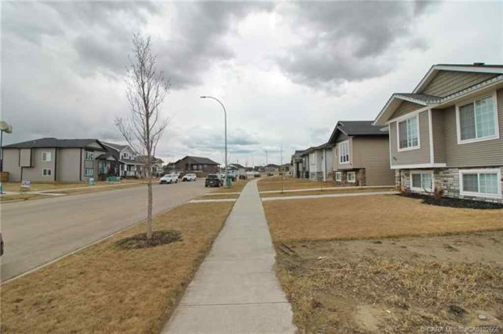 MLS® # CA0192666 - 98 Aurora Heights  in Aurora Blackfalds, Residential Open Houses