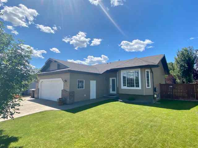 115 Meadowbrook  Drive E in Meadowbrook Brooks MLS® #A1012759