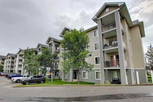 Applewood Park real estate 3203, 1620 70 Street SE in Applewood Park Calgary