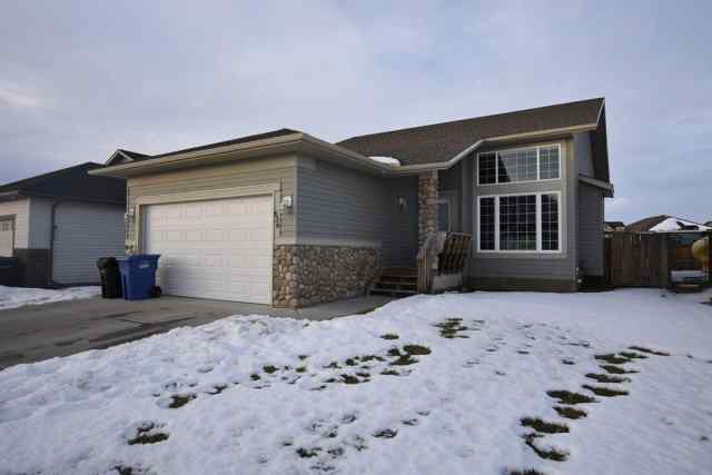 636 West Highland Crescent in NONE Carstairs