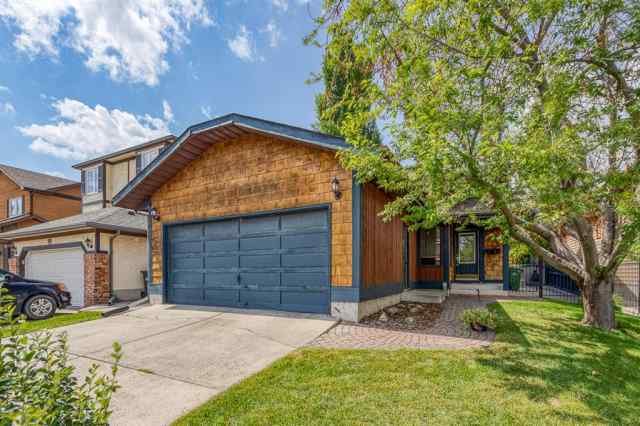 35 DEERCROSS Road SE in Deer Run Calgary