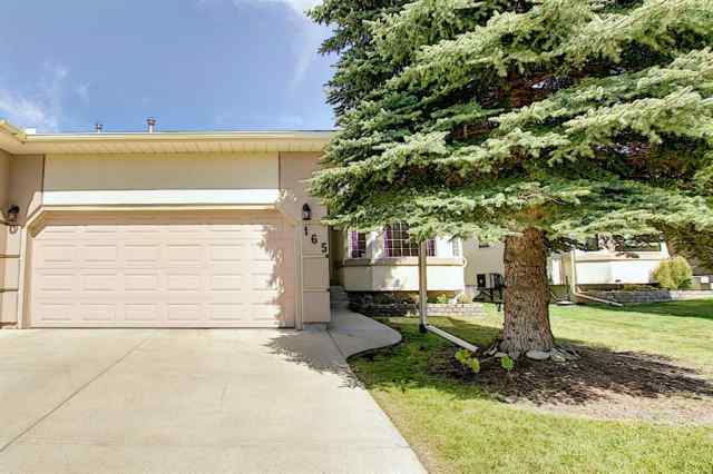 165 Lakeside Greens  Place T1X 1C4 Chestermere