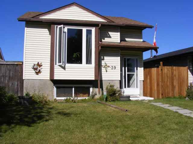 Abbeydale real estate 39 ABERDARE Way NE in Abbeydale Calgary