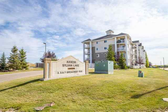 Beacon Hill real estate 214, 3 Broadway Rise in Beacon Hill Sylvan Lake