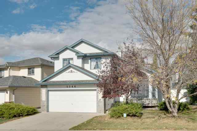 Meadowbrook real estate 1344 Meadowbrook Drive SE in Meadowbrook Airdrie
