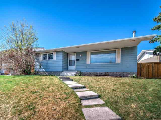 1472 Lake Michigan CR Se T2J 3G1 Calgary
