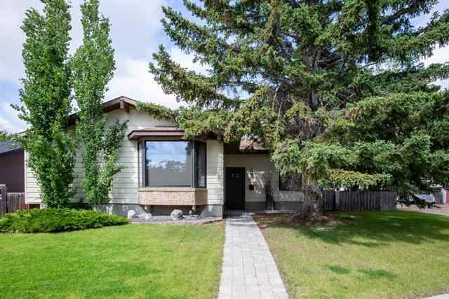6003 Lewis DR Sw in Lakeview Calgary