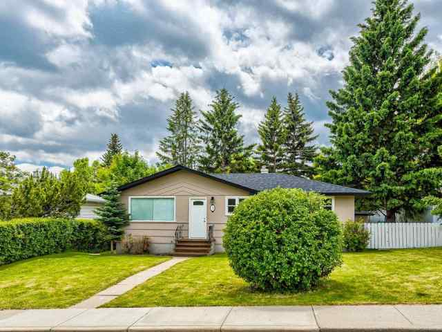 3 Hendon PL Nw in Highwood Calgary