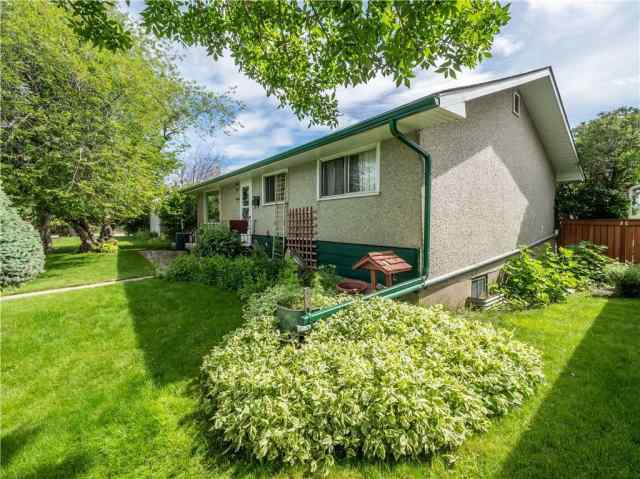 2408 46 ST SE in Forest Lawn Calgary