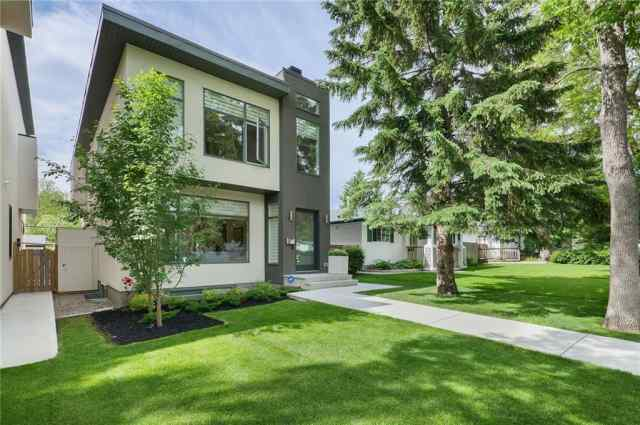 9 Hendon DR Nw in Highwood Calgary
