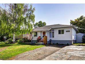 Forest Lawn Real Estate: 2216 41 ST Se, Forest Lawn