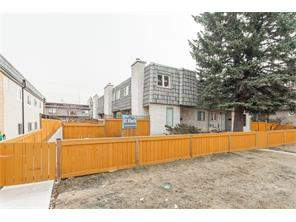 Attached Home For Sale at #3 2412 30 ST Sw, Calgary MLS® C4119345
