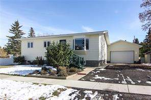 McLaughlin Meadows Detached home in High River