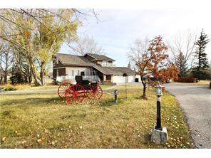 Red Deer Lake Detached home in Rural Foothills M.D.
