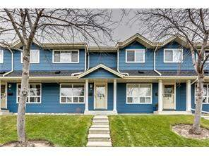 Queensland 28 Queen Anne CL Se, Calgary, Queensland Attached