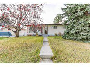 Detached Collingwood Calgary Real Estate