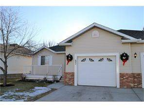 Monterey Park Attached home in Calgary