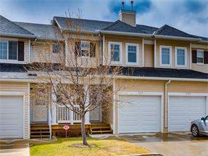 226 Country Village Mr Ne, Calgary, Attached homes