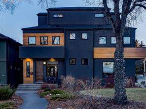 Mount Pleasant Attached home in Calgary