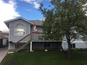 18 West Aarsby Rd, Cochrane, West Valley Attached