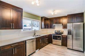 2616 42 ST Se, Calgary, Detached homes