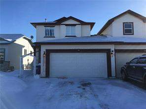 62 Canoe CL Sw, Airdrie, Canals Attached