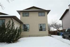 43 Castleglen RD Ne, Calgary, Castleridge Attached