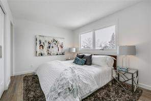 69 Sunhurst CR Se, Calgary, Detached homes