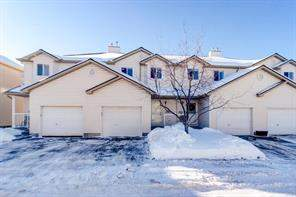 134 Douglas Glen Pa Se, Calgary, Attached homes