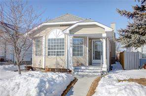 106 Erin RD Se, Calgary, Detached homes