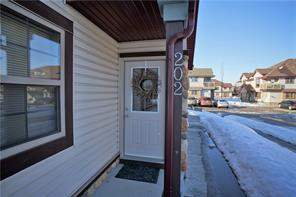 #202 7 Everridge Sq Sw, Calgary, Evergreen Attached