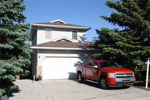 576 Meadowbrook BA Se, Airdrie, Detached homes