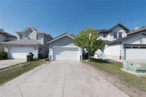 137 Martinvalley CR Ne, Calgary  T3J 4L7 Martindale