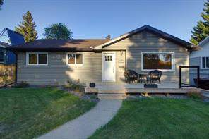18 Chisholm CR Nw, Calgary  T2L 0Z1 Charleswood