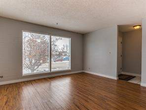 37 Deer Lane RD Se, Calgary  T2J 5S9 Deer Run