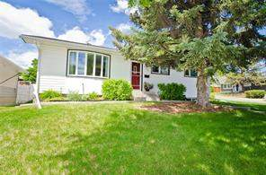415 71 AV Se, Calgary  T2H 0S3 Fairview