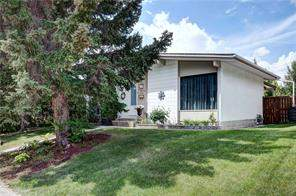 2615 Lionel CR Sw, Calgary  T3E 6B1 Lakeview Village