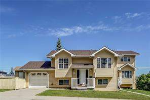 404 33 AV Ne, Calgary  T2E 2J1 Winston Heights/Mountview